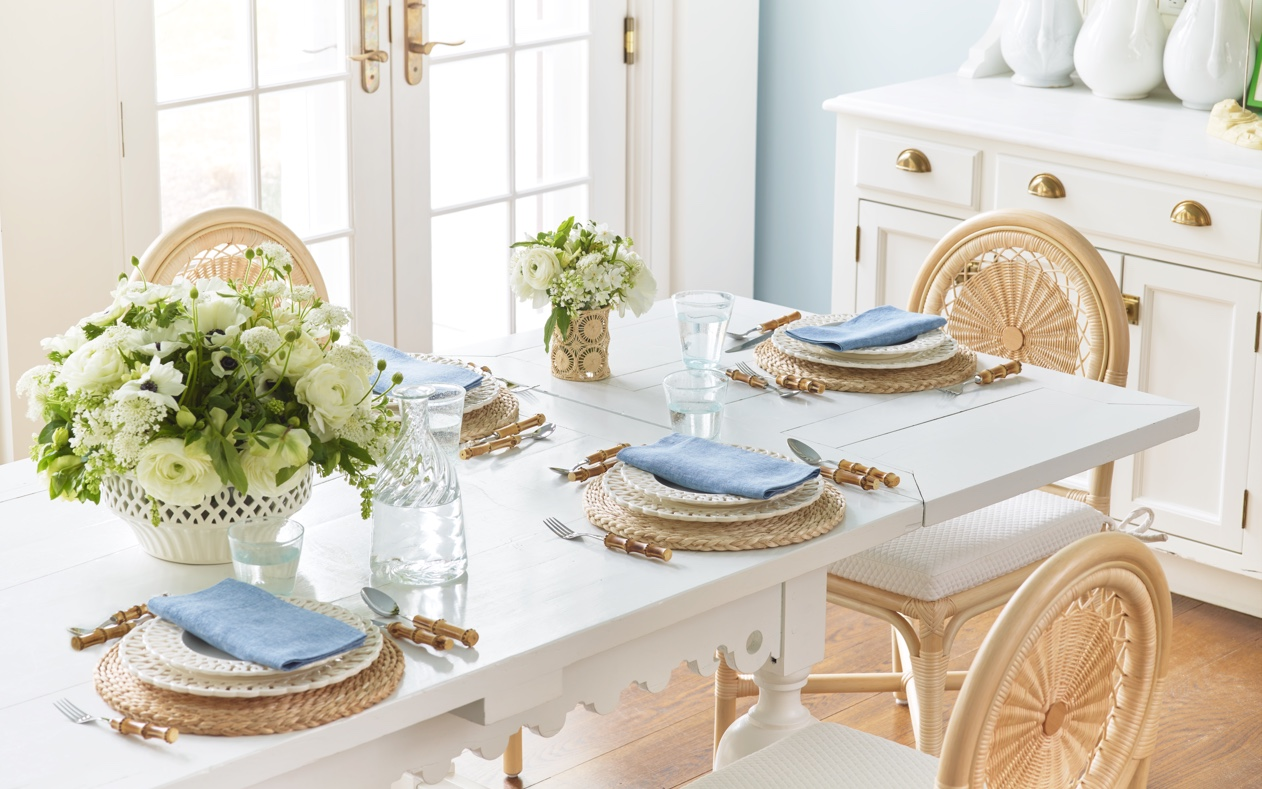 A tablesetting featuring the Paulette Collection